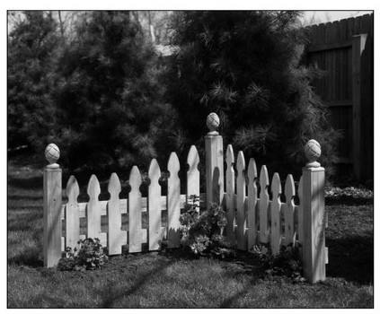 how to build a picket privacy fence
